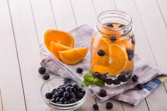 Blueberry detox water